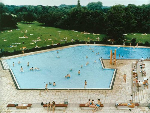 Andreas Gursky - Swimming Pool