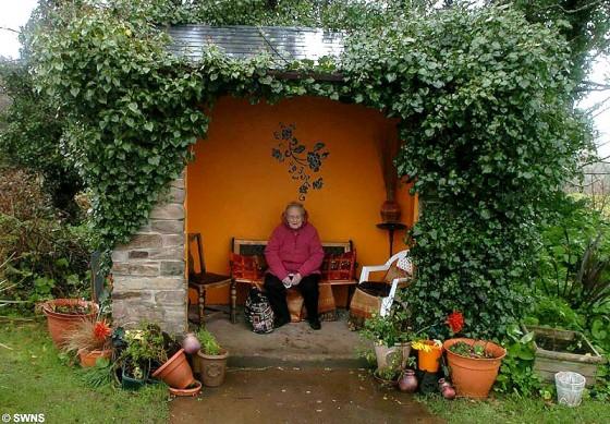 Остановка с бабушкой